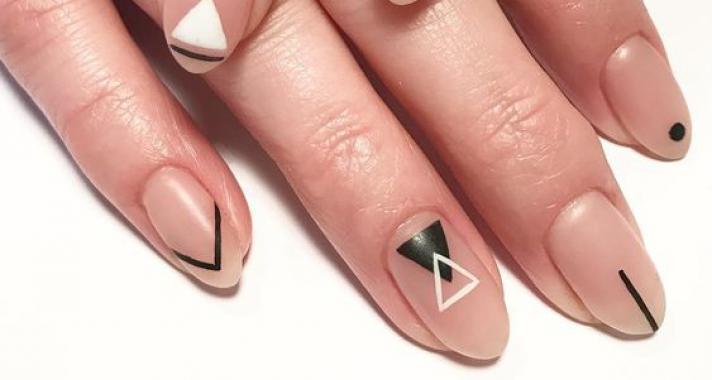 Top10: geometrikus minták a körmeidre