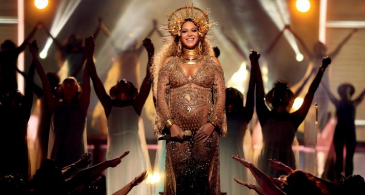 Tíz csodás fotó a várandós Beyonceról