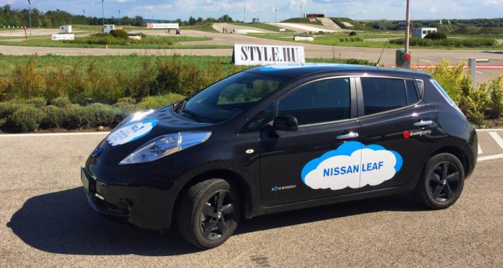 Elektromos autó tesztvezetés a drivingcamp Hungary jóvoltából