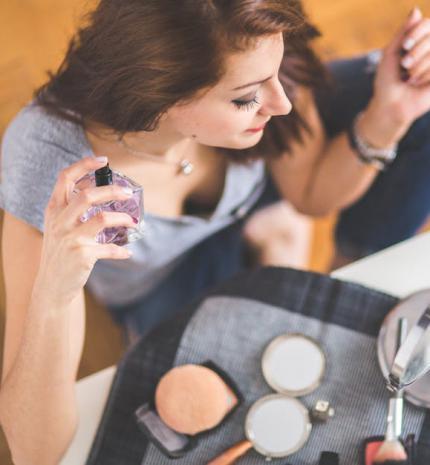 6 szabály, amely betartásával biztosan megtalálod a hozzád illő parfümöt