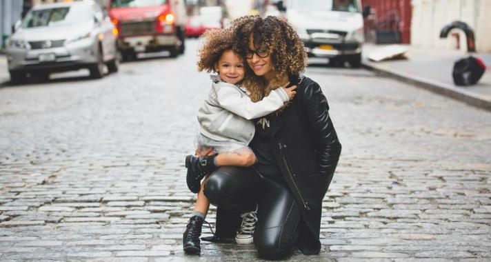 """Ezt a 4 dolgot csinálják azok a szülők, akik """"jó"""" gyereket nevelnek"""