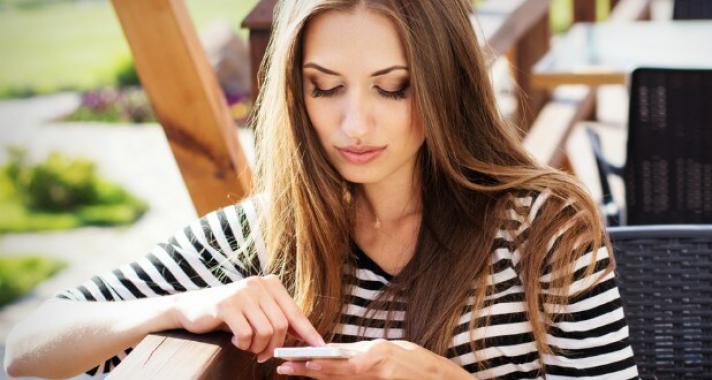6 ok, amiért jobb távol maradni a közösségi oldalaktól, miután összetörték a szíved