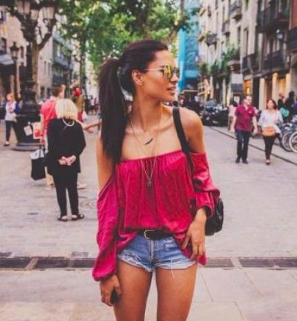 Stílusiskola: Outfit inspiráció a szülinapos Adriana Lima-tól