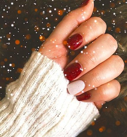 Top10: karácsonyi manikűr ötletek pirossal