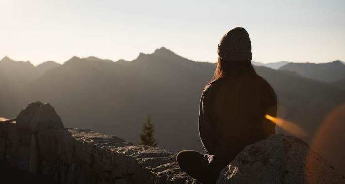 Milyen tulajdonságokkal rendelkeznek azok az emberek, akik szeretnek egyedül lenni