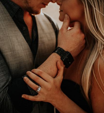 Romantikus lélek, tüzes szex? Létezik ilyen nő!