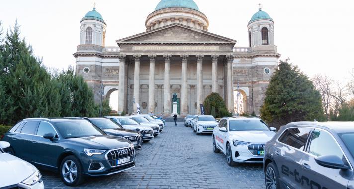 Kipróbáltuk a világ legjobb elektromos autóját, az Audi e-tront