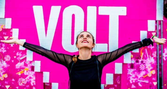 Színházzal, slammel, inspiráló beszélgetésekkel erősít a Telekom VOLT