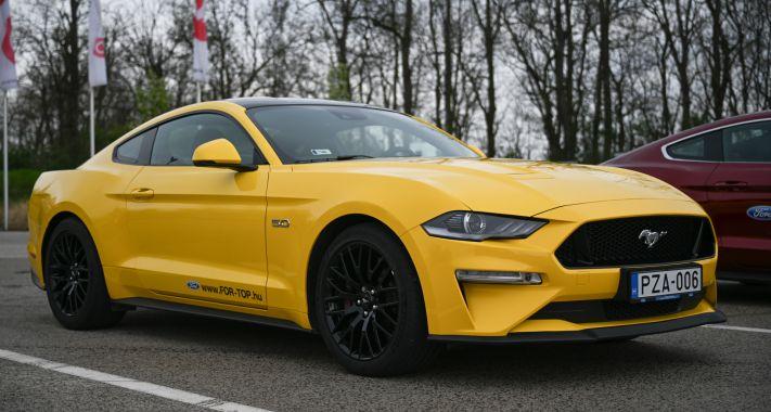 Akinek jól áll a kor - 55 éves a Ford Mustang