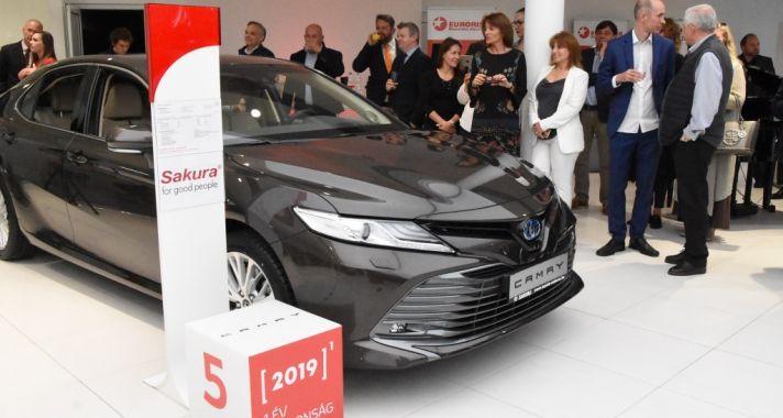 Az elmúlt tíz évben nem történt ilyen: Új Toyota szalon nyílt Budapesten
