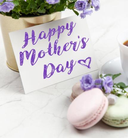 Anyák lazán: Anyák napi gondolatok négy Édesanyától