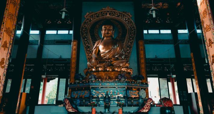 'Ha valami fáj a lelkednek, nézz mélyen magadba, és gondolkozz.' - A buddhizmus tanításai