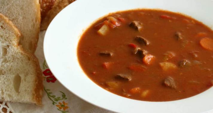 Népszerű magyaros ételek