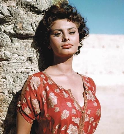 'A szépség annyin múlik, hogy mennyire van valaki kibékülve önmagával.' Idézetek Sophia Lorentől