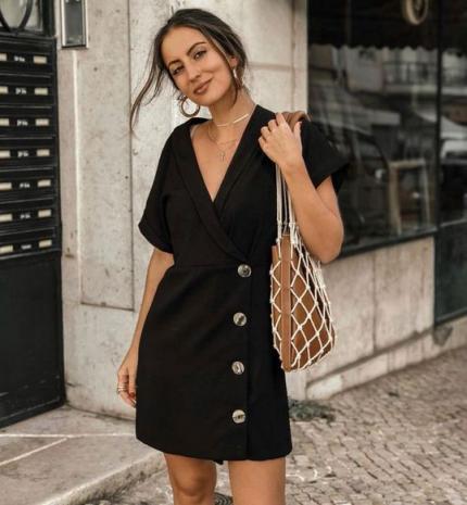 Stílusiskola: így viselj nyáron feketét