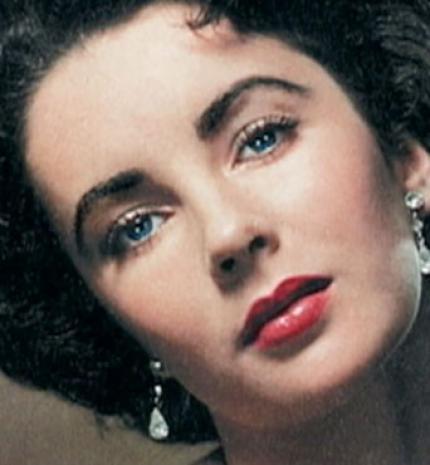 'Sok ember lelkiismerete nem más, mint félelem a többi ember véleményétől.' Idézetek Elizabeth Taylortól