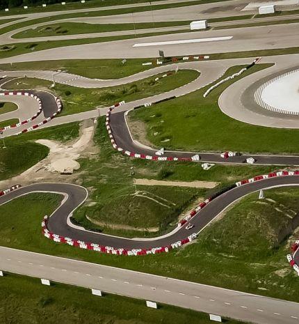 Az ország legmenőbb gokart pályája - Új pályacsúcs a drivingcampen