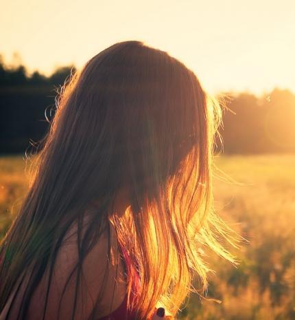 A gyermekkori bántalmazás jelei és következményei