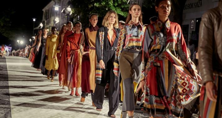 A felejthetetlen divatpillanatok estéje volt a 6. KATTI ZOÓB Balatonfüred Fashion Night