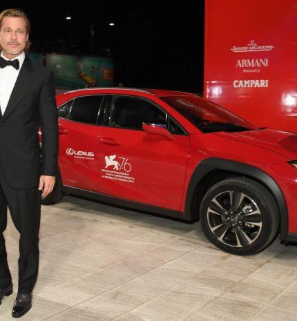Nem csupán Hollywood nagyjai, de a Lexus UX is feltűnt a Velencei Filmfesztivál vörös szőnyegén