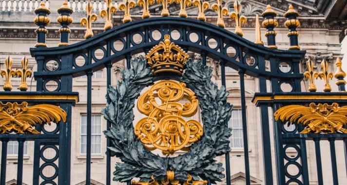 Élet a pompában – avagy milyen a brit királyi család élete?