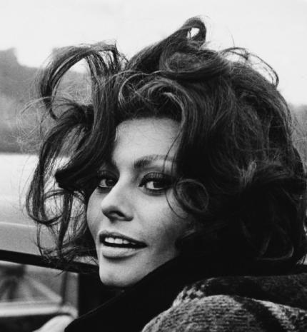 'Jobb felfedezni az életet és hibázni, mint biztonságban élni.' - kedvenc idézeteink Sophia Loren-től