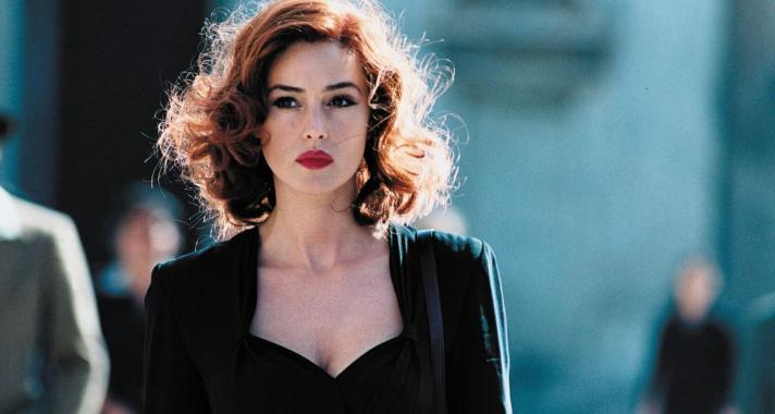 'Ha egy nő azt akarja, hogy egy férfi észrevegye, csak viseljen vörös rúzst.' Idézetek Monica Belluccitól
