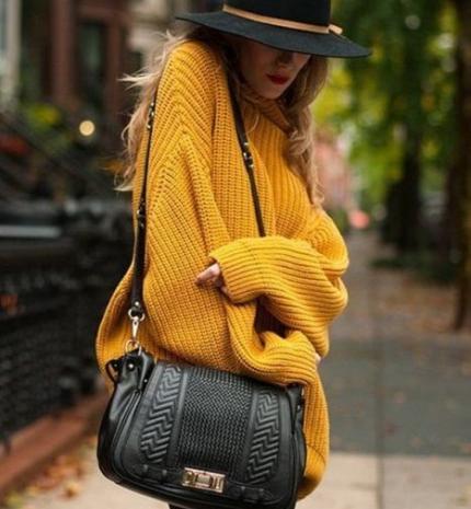 Stílusiskola: őszi outfitek kötött pulcsikkal