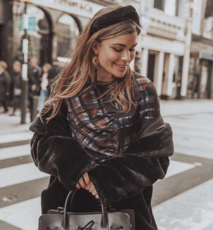 Stílusiskola: így viseld a szezon kedvenceit, a hajráfokat