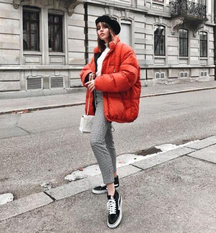 Stílusiskola: így viselj télen pirosat
