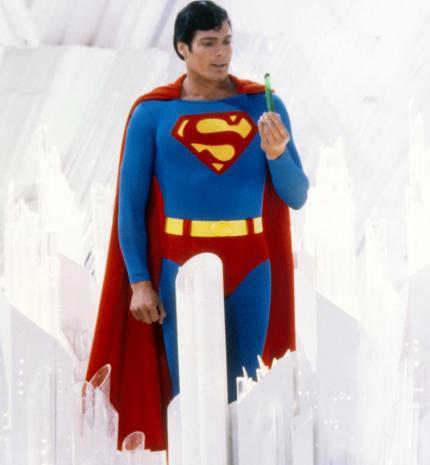 15 évvel a halála után, Superman még mindig inspirál
