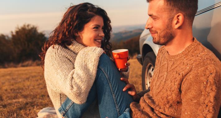 Hogyan lehet irányítani az érzelmeket randevú közben