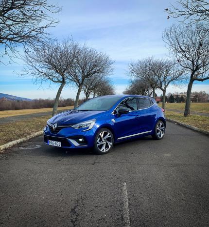 Autó & Motor - A hot hatch korszaknak vége – Renault Clio RS Line