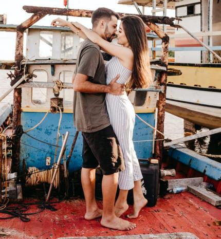 Keresd a nőt! - A csók egy induló szerelem karmestere