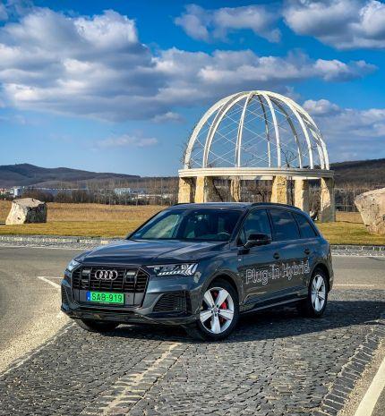 Autó & Motor - A luxus (elektromos)szekrény - Q7 S line 60 TFSIe quattro tiptronic