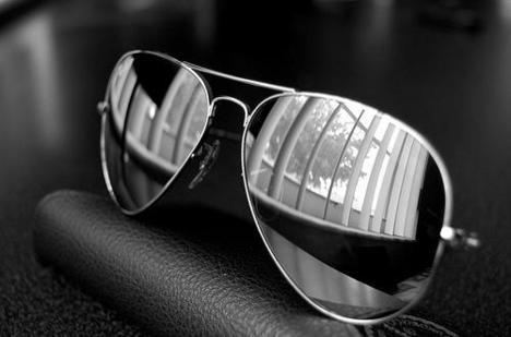 divat napszemüvegek Ray Ban Ray Ban történet aa0e9c19c7