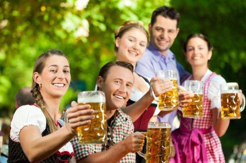 Sörfesztivál Pesten: itt mindenki annyit iszik, amennyit bier