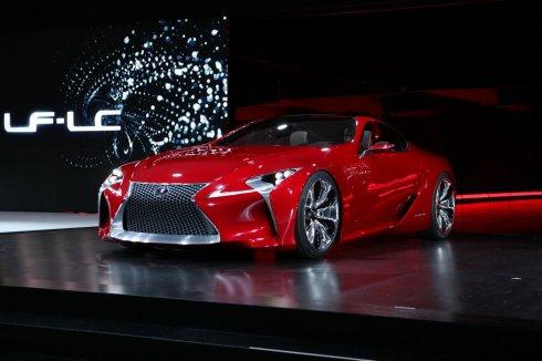 Káprázatos tanulmányt mutatott be Detroitban a Lexus - Videó
