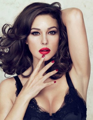 Monica Bellucci a Dolce & Gabbana Make up új arca