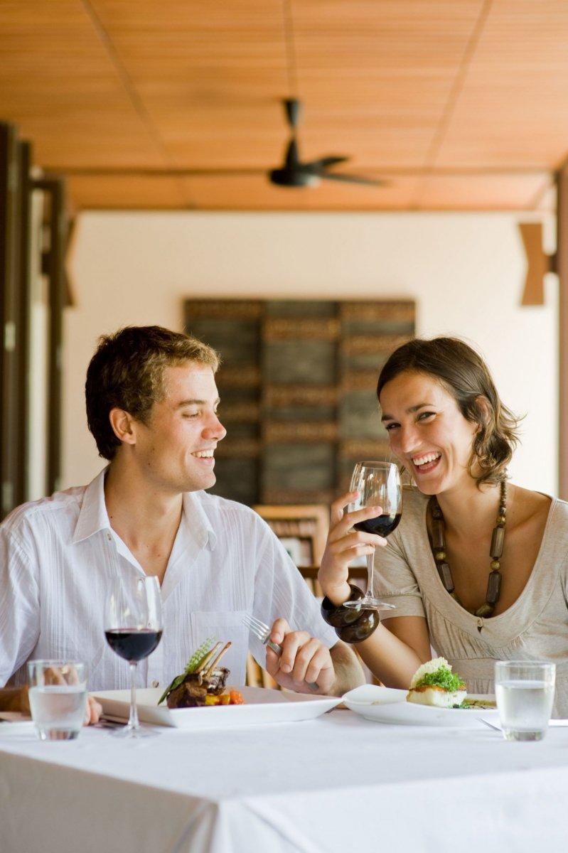 Hogyan lehet elmondani a szüleidenek, hogy egy idõsebb ember randevúzik