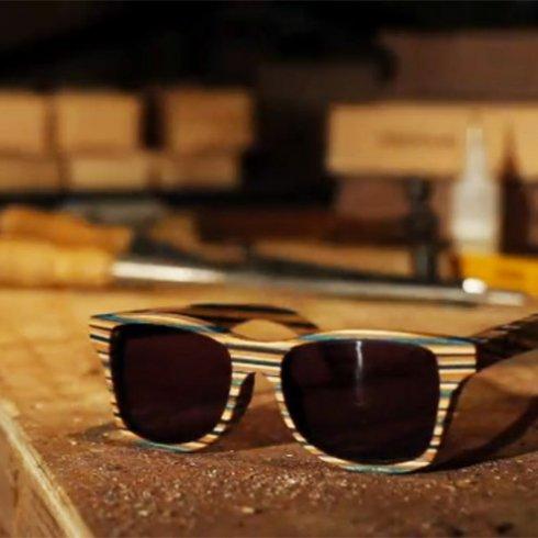Kreatív újrahasznosítás, deszkából napszemüveg