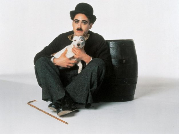 124 éve született Charlie Chaplin, a komoly bohóc