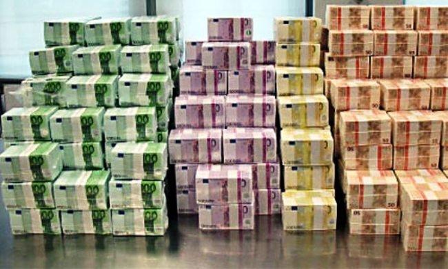 A végtörlesztés miatt 600 milliárdot veszíthetnek a bankok