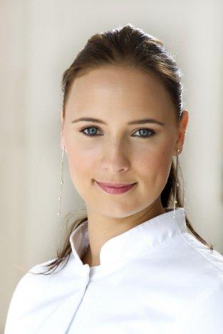 Hogyan segíti a bőr regenerációját a dermaroller kezelés?