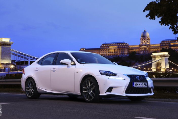 Lexus stílus teszt Budapesten…