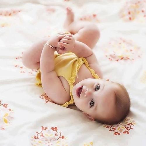 e1cfe7302d Így öltöztesd a babát, hogy ne sírjon
