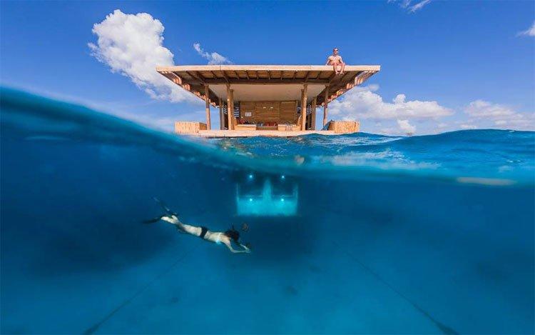 Pihenés a víz alatt