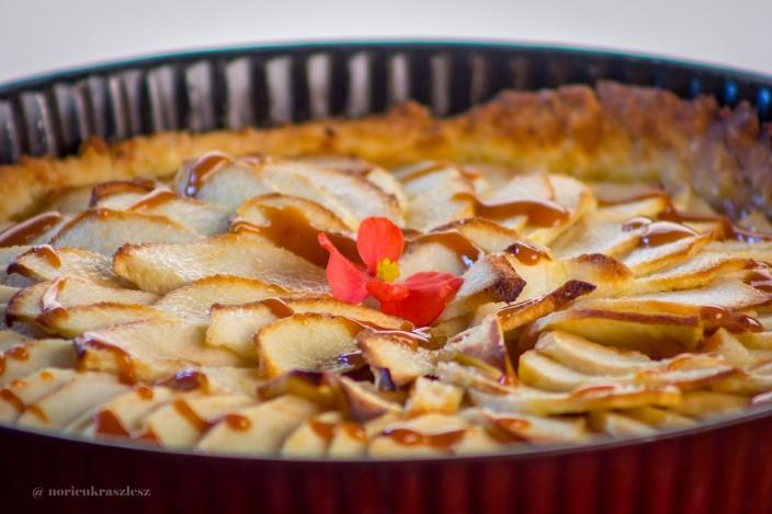 Ünnepnapi almás pite