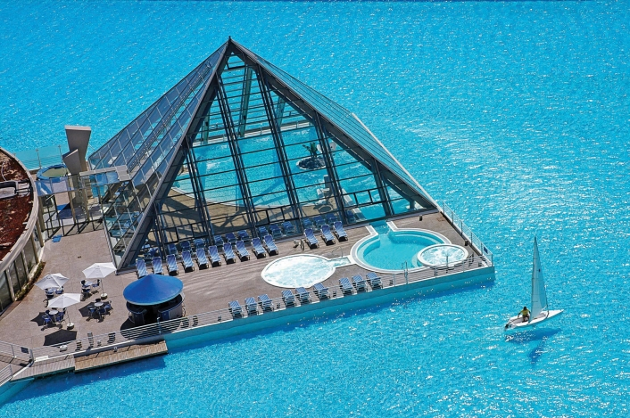 A világ legnagyobb medencéje