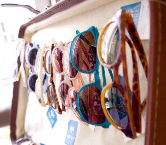 Különleges órák és napszemüvegek nyomában